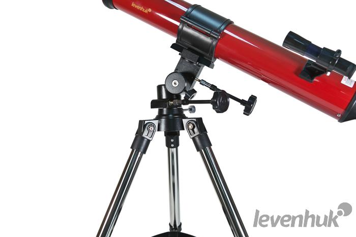 Труба телескопа LEVENHUK, установленная на азимутальной монтировке